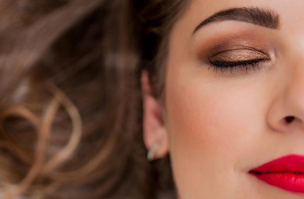 abrir uma loja de maquiagens - clientes