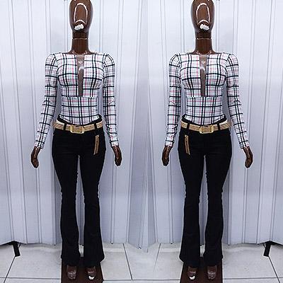 Look body com recorte e calça jeans   Atrevida Fashion