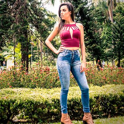 Calça jeans e cropped | Sil Modas