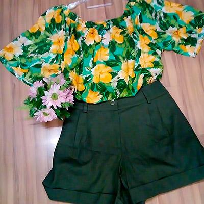 Blusa floral e short   Doralina Moda Maior