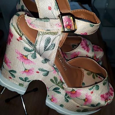 Sandália floral   Lu Calçados