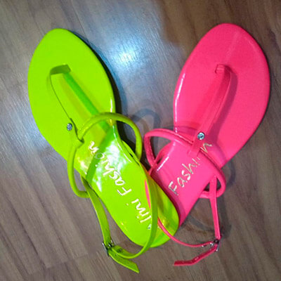 Sandália Rasteira Neon | Rafanda Calçados