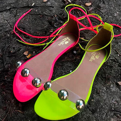 Sandália Rasteira Neon | Gabi Calçados