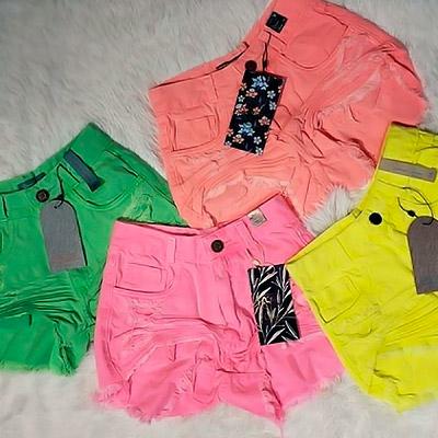 Short Jeans Feminino com Destroyed | JM Modas