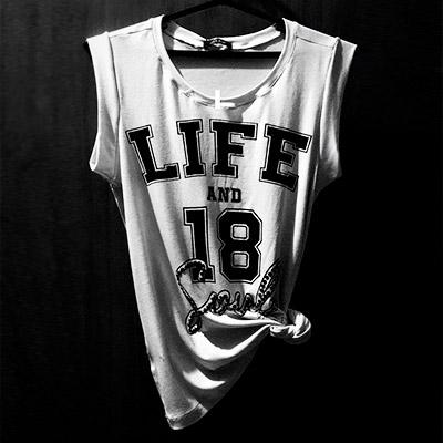 T Shirt com Estampa | De La Soul