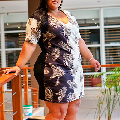 Vestido Estampa Tropical Plus Size | Betyna Salomão