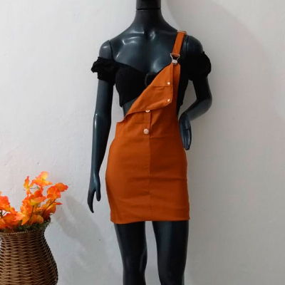Jardineira Jeans Adulto | Pequena Morena