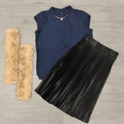 Conjunto saia plissada de cirrê e blusa social | Raquel Guedes