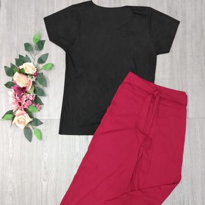 Blusa de suede e calça pantacourt | Aliança Modas