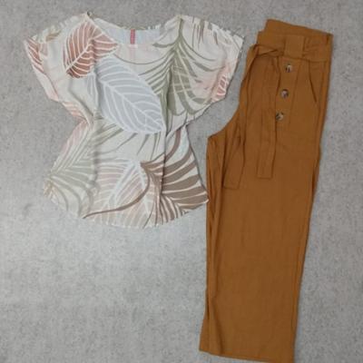 Calça pantacourt e blusa | Amora Modas
